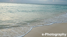 海 波 水