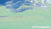 海 波 水 光