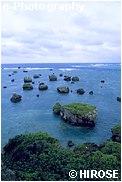 東平安名崎の海岸