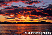 アラスカの夕焼け、赤