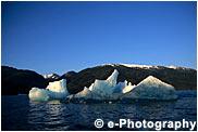 雪山と浮氷